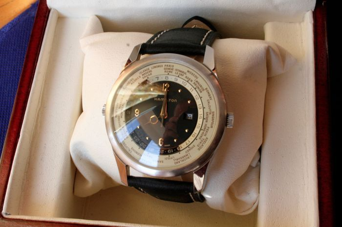 Catawiki, pagina di aste on line  Hamilton world timer, men's watch, 1990s