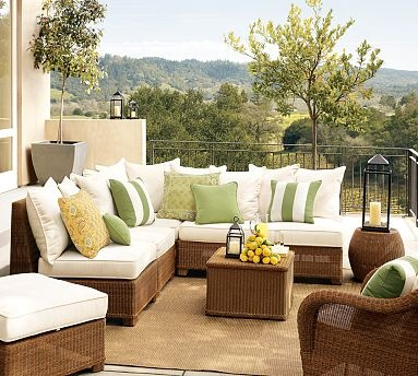 would love to have a backyard patio with this furniture....