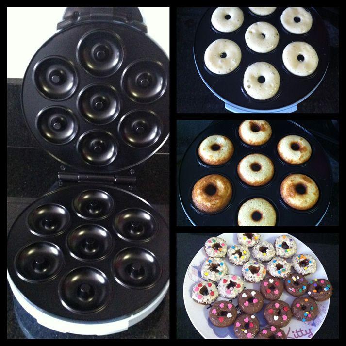 Comprei essa máquina de Mini Donuts, junto com a máquina de cupcake (post aqui), no site da Amazon (link aqui)....
