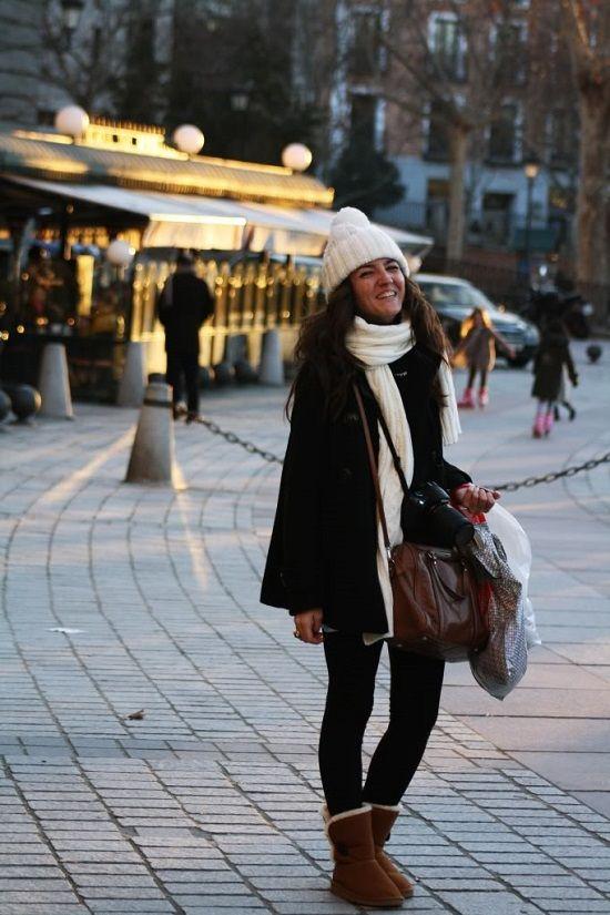 Vamos con otra de vuestras peticiones que nos viene al pelo durante estos días tan fríos que tenemos en toda la península: estilismos con las botas más calentitas del planeta, las UGG o de piel de borreguito similares como Mou, Love from Australia, Emu o Mukluk. Lovely Pepa Macarena Gea Tras la pista de Paula […]