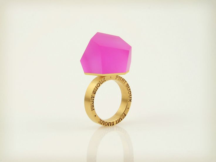 Fruit Bijoux, VU, gold ring, fluorescent pink. To download high or low resolution product images view Mondrianista.com (editorial use only).