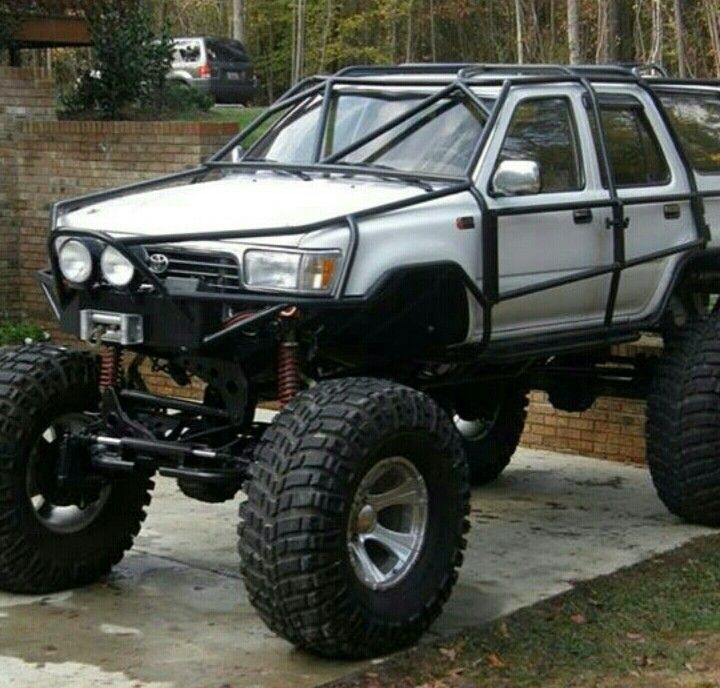 Not Really My Style But The Full Exoskeleton Is Awesome Hummer Truck Mud Trucks Toyota Trucks