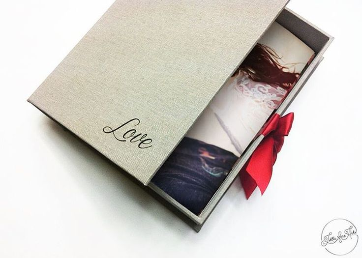 Yesterday was the valentine's day ❤️🌸🌷🌺💐💙 #photobox #photoalbum #presentationbox #perfectgift #madewithlove #hanmade