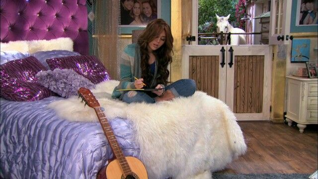 Hannah Montana bedroom