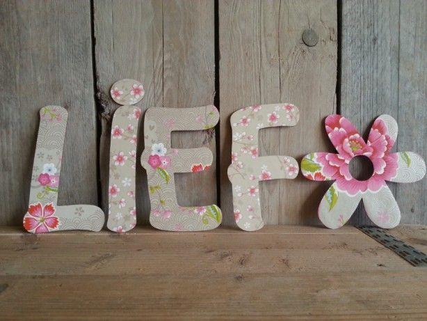 Kinderkamer Behang Vogelhuisjes : Lieve letters in pip-stijl voor de ...