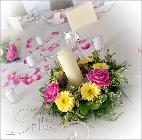 Very Pretty Ring Arrangement With Candle