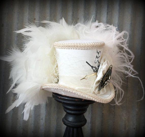 Mini chapeau haut de forme mariée Mini Top Hat par ChikiBird