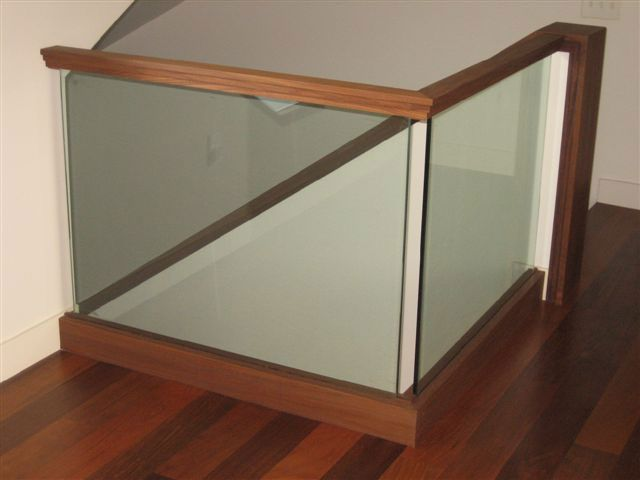 17 best images about railing spindles and newel posts - Glass and wood railing design ...