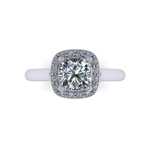 Cojín anillo de compromiso de Moissanite con halo de