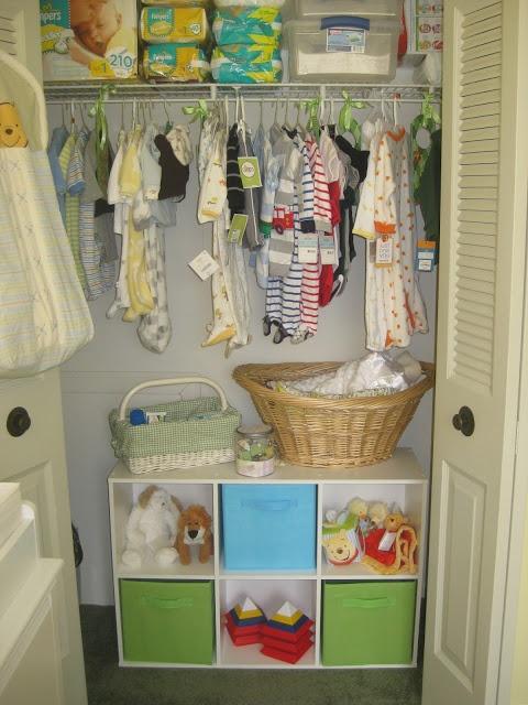 Nursery closet organization Like the 6 shelves and baskets at the bottom of the closet