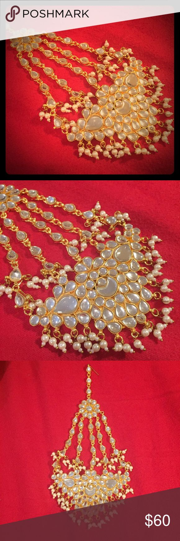 Paasa jhumar head gear Beautiful gold finish paasa head jewellery ( jhumar) for the complete ethnic Bollywood look. Made of metal alloy. Intricate design with white drops. First and last pictures for reference 😍 Jewelry