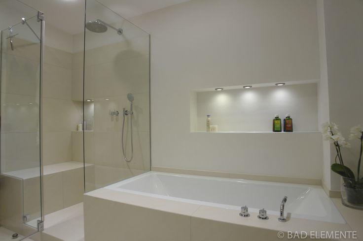 Bad - Dusche und Badewanne