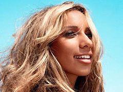 """Antena 1 - Notícia: Leona Lewis libera versão oficial do single """"Thunder"""""""