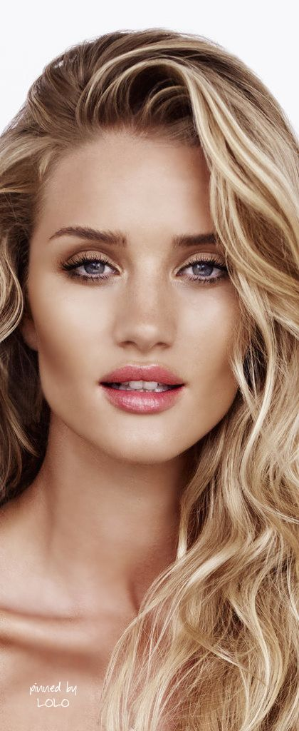 Rosie Huntington Whiteley wearing a natural makeup, my kind of bridal look