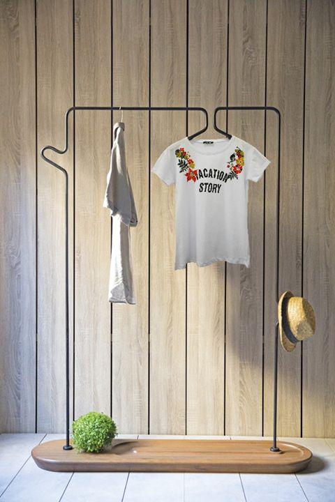 """Pentru vacanțe de neuitat, recomandăm tricoul cu imprimeu """"Vacation Story"""" <3 Confecționat din bumbac, oferă lejeritatea și confortul de care orice femeie are nevoie!  👉Link produs: http://www.adromcollection.ro/bluze/611-tricou-angro-6198-3.html 👉Whatsapp: 0786.152.657 sau 0786.152.652"""