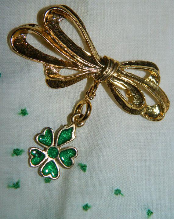 Vintage 5 Leaf Clover Pendant, Lucky Charm, Luck of the Irish, Good Luck Charm, Pendant, Saint Patricks Day, Green, Charm Lucky