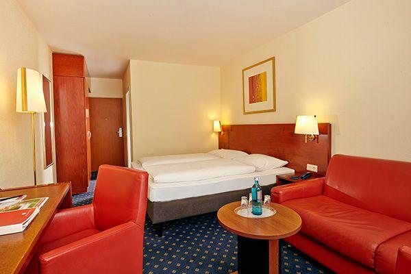 Blick in eines der Hotelzimmer / View into one of the hotel rooms | RAMADA Hotel Bären Goslar