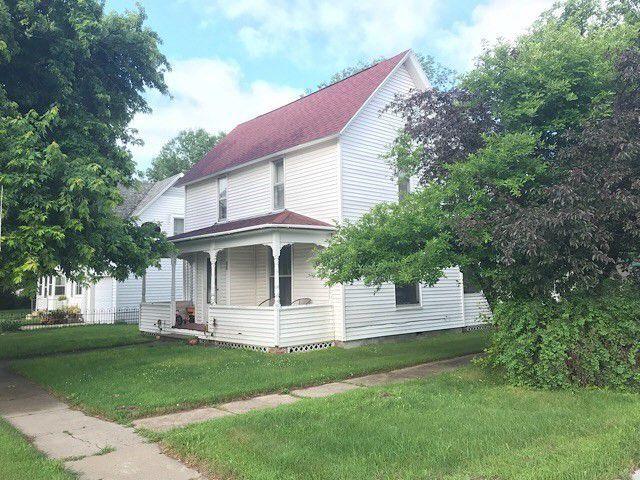 302 S Main St Atkinson Ne 68713 Little Dream Home Little Houses Curb Appeal