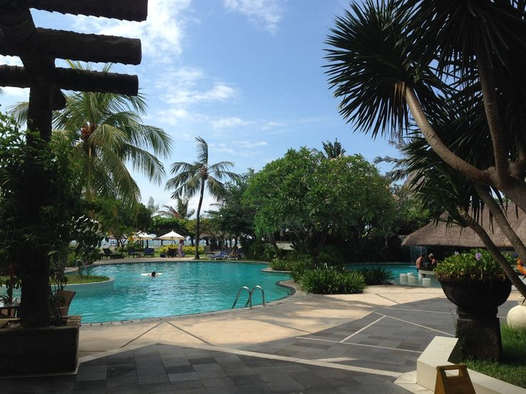 The Grand Hyatt Nusa Dua, a great place for a business retreat. The view from lunch table.