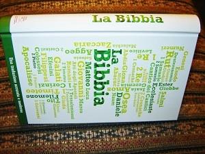 Italian Bible / Hardcover Modern Italian Bible / La Bibbia Nuova Riveduta 2006 Una traduzione achurate e moderna