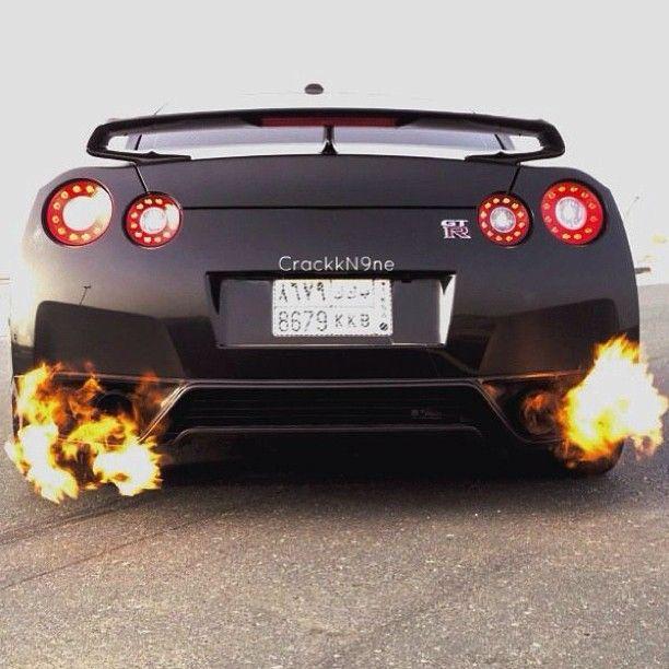 Coolest Sports Cars Burning Tiers: Best 25+ Nissan Gtr Skyline Ideas On Pinterest