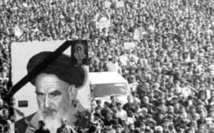 Dès 1979, en Iran, les ayatollahs, en particulier le guide suprême de la révolution, Khomeini, puis, après sa mort Khamenei, ont ajouté de nouveaux piliers ou prescriptions de l'islam avec l'objectif de réislamiser tous les Iraniens et de les dissuader très activement de sortir du « droit chemin » musulman en s'occidentalisant, ce qui, toujours et selon eux, équivaut à une impiété, un délit et un crime. Cette réislamisation pure et dure a commencé en Iran  ...
