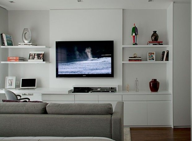 Quarto reformado ganha mais claridade e decoração clássica