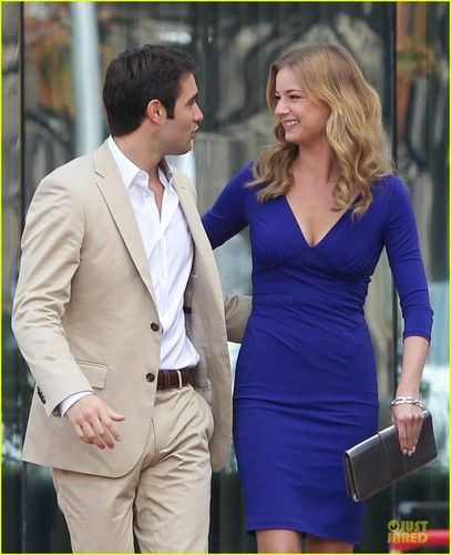 Emily thorne and daniel grayson dating in real life 2015