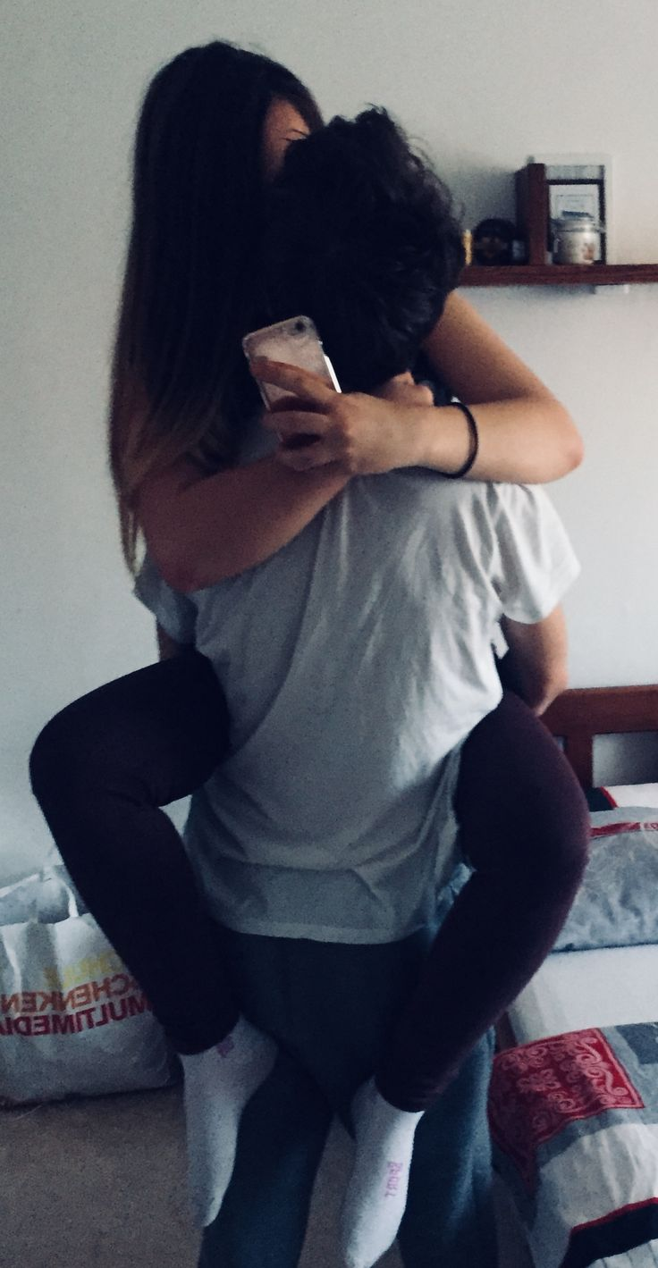 He took me up from my bed on his shoulders sometimes on his chest holding his waist  by my legs…..ahhh thats such a lovely morning