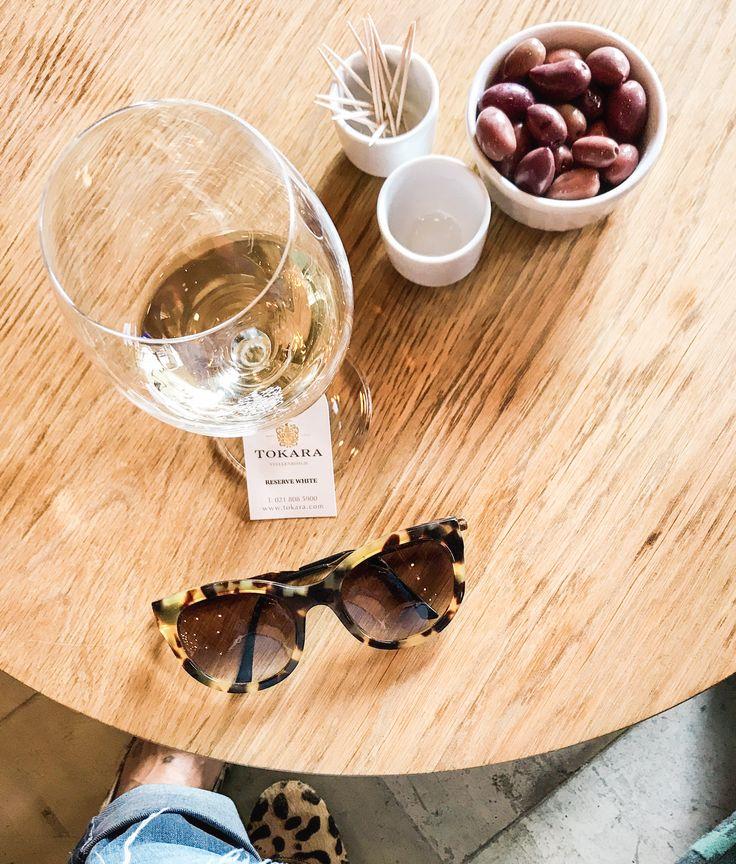 #tablesetting @tokarawine in #southafrica #africa #winetasting #winewinewine #winetime #winery #winerylife #sommelier #sustainableliving #sustainablewine #sustainablewinery #ecofriendly #sustainabletravel #ecotravel #yeswayrosé #deliciouswine  #winegeek #wineporn
