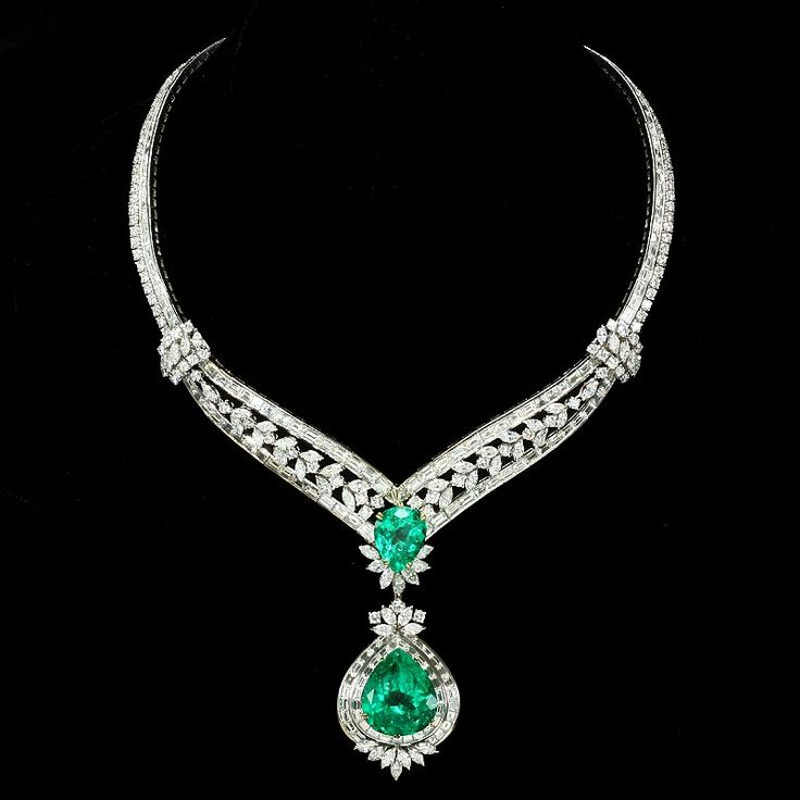 Elizabeth Taylor Masterpiece 91.78Ct Colombian Emerald and Diamond Necklace she personally designed by Bulgari