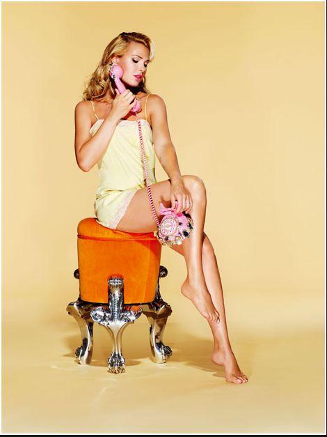 Protagonista di una copertina d'eccezione #IlaryBlasi per #VanityFair @StudioDaylight #pinup #pinupgirlart #vintagestyle #fashion #burlesque #brandmodel #brand #model #promomodel #lifestyle #telephone #vintage #italiangirl