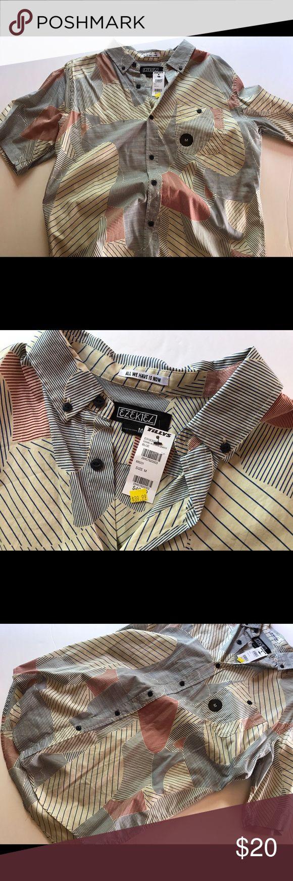 ✨✨beautiful men's shirt✨✨ Men's shirt brand new with tags. Shirts Tees - Short Sleeve
