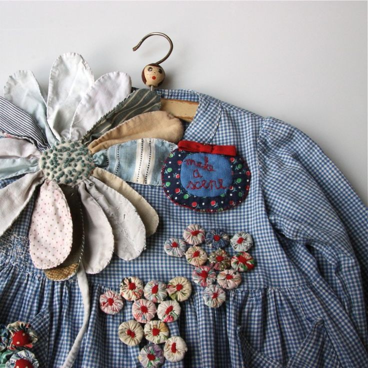Hand Stitched Brooch Workshop with Julie Arkell - Classes