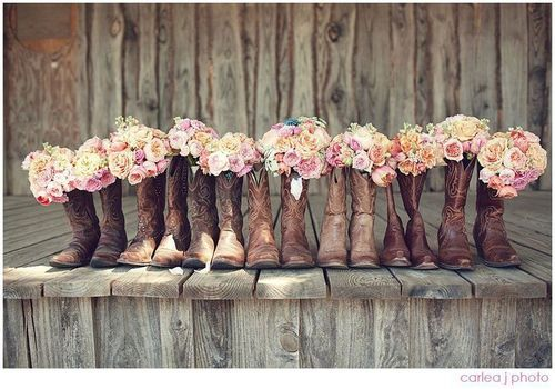 I'm absolutely going to have a country wedding when I get married:) @Sam McHardy McHardy Taylor Hartje