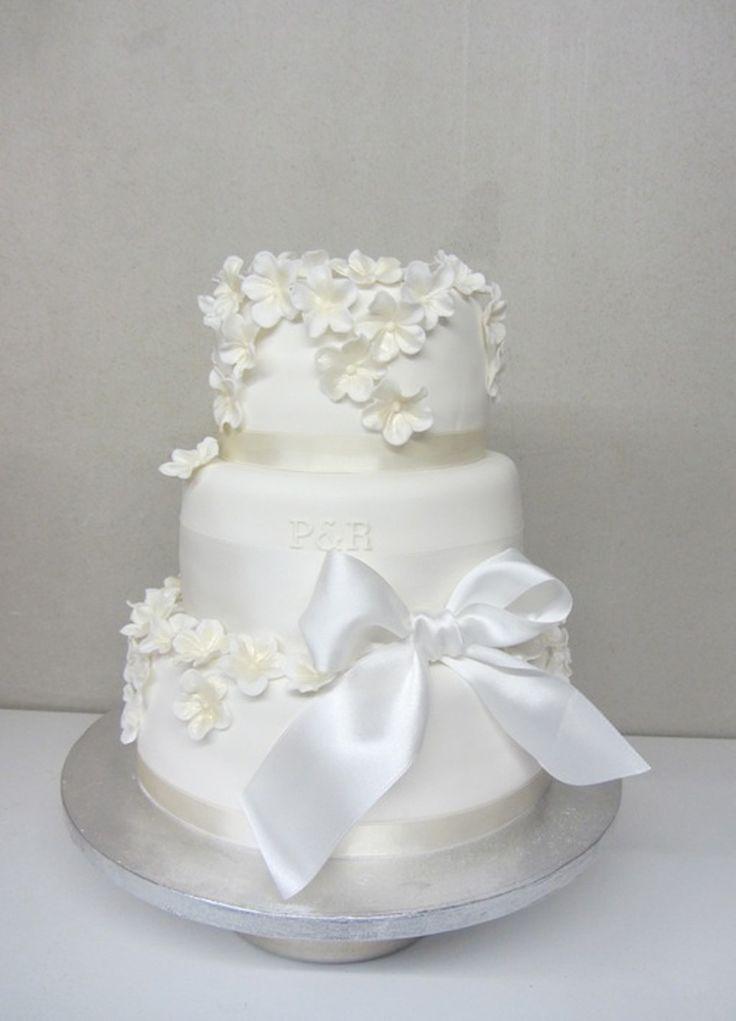 wedding cake: Cotton