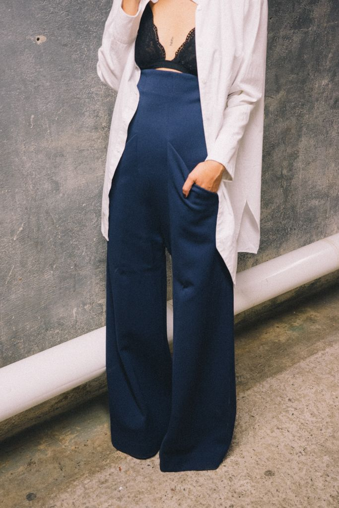 navy blue wide leg trousers with bralet!! Woo.... Love this!! Sexy and chic!!