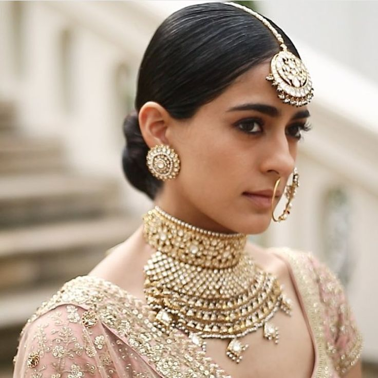 Everything is perfect. The model , the jewels, the suit. ♥ Sabyasachi magic. jewelry BY KISHANDAS