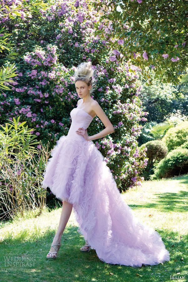 前面だけ丈が短いアシンメントリースタイル♪脚長効果も期待のミニ丈フォレス☆パープルのカラードレス♡花嫁衣装の参考一覧まとめ♪