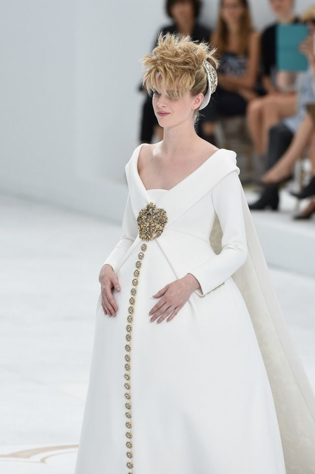 Pregnant Model Ashley Good Killed It In A Wedding Gown At Chanel's Couture Show