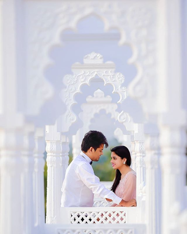 Prewedding Couple Photography In Udaipur Pre Wedding Poses Pre Wedding Pre Wedding Shoot Ideas