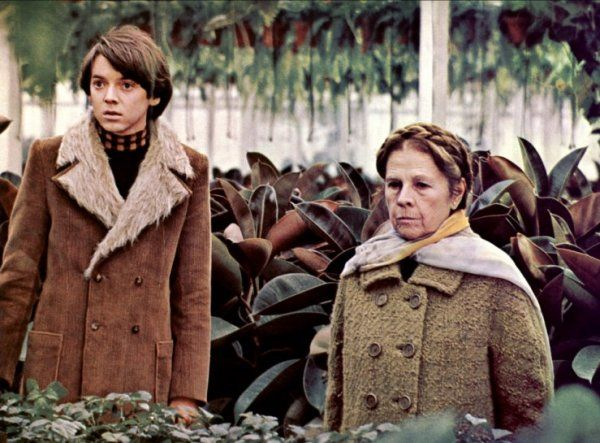 simple shot of our Harold and Maude side by side in the iconic costumes as Dillon sings along to Lay By Me