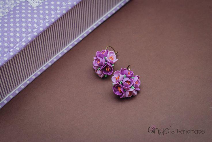 Polymer clay flowers. Violet earrings.