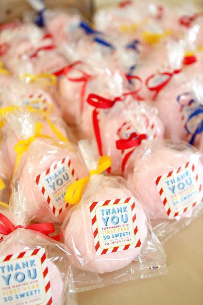 Cotton candy favors at a circus birthday party! See more party planning ideas at CatchMyParty.com!