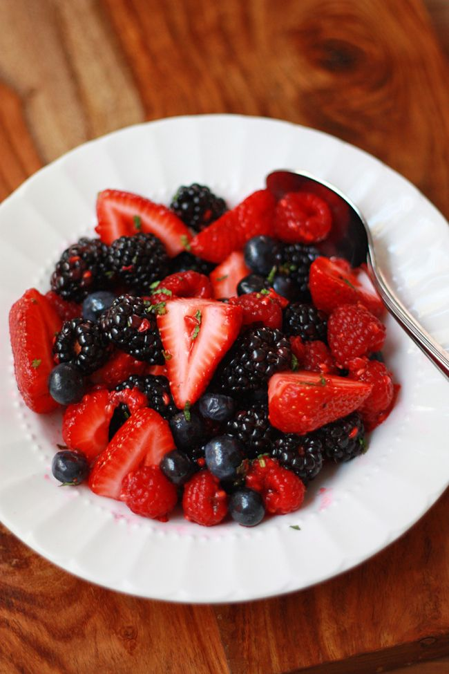 berry salad with honey, lime, and mint (gf, df, v, Paleo)