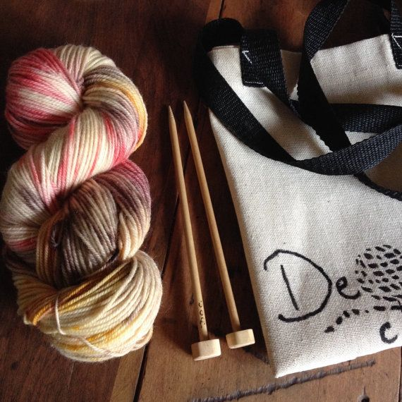 Wool and knitting needles by deorigenchile on Etsy