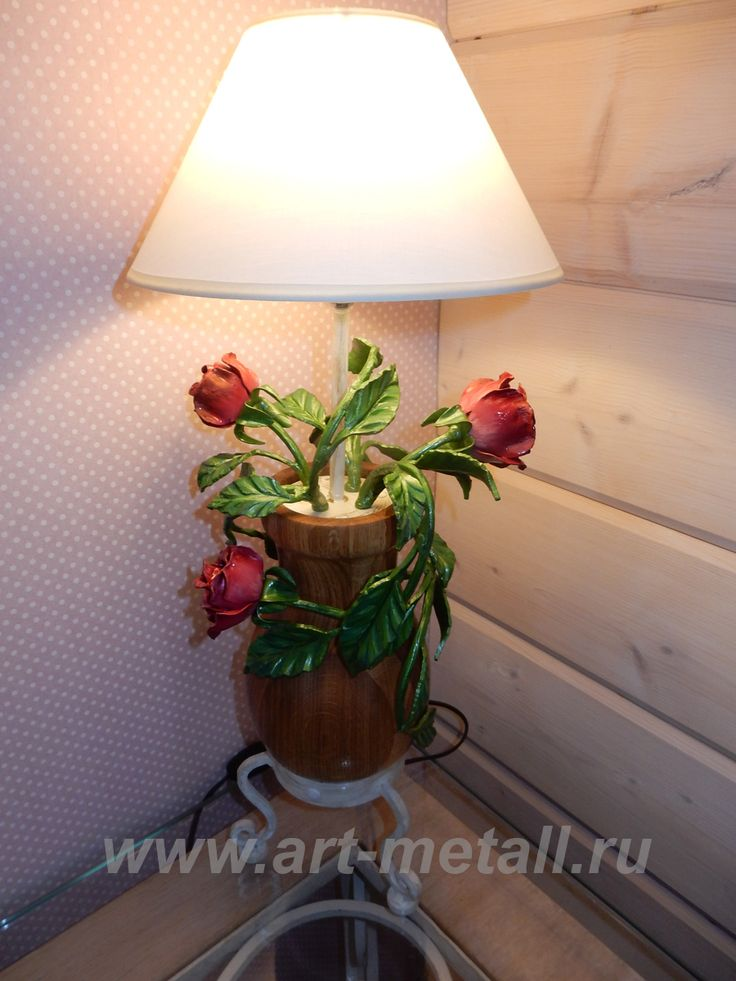 Wrought iron  table lamp . Bouquet of roses . Hand-painted wrought iron. Oak.
