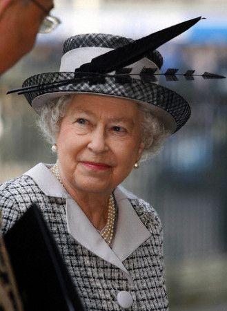 Queen Elizabeth, March 27, 2007 | Royal Hats - probably Philip Somerville hat.