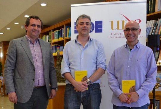 """Entrevista con Fernando Pérez del Río y Manuel Mestre Guardiola coautores del libro """"Drogodependencia y sexualidad"""", publicado por Biblioteca Nueva y Universidad de Burgos."""