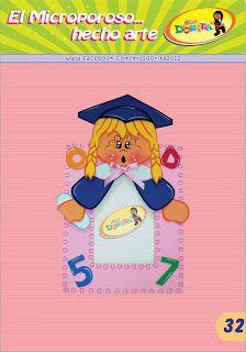 Miss Dorita niña graduada